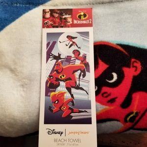 NWT Disney's Incredibles 2 Bath & Beach Towel 58x2